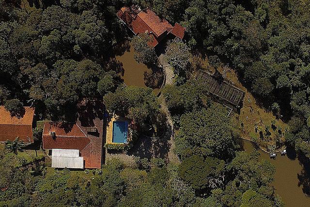Sítio na cidade de Atibaia, interior de São Paulo, é de propriedade da família Bittar