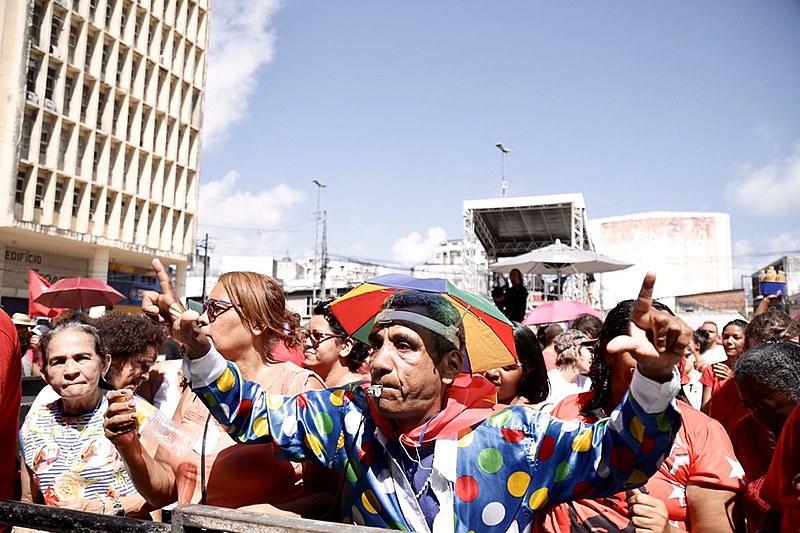 Festival celebra a liberdade do ex-presidente Lula com muita música e gente de vários lugares do Nordeste