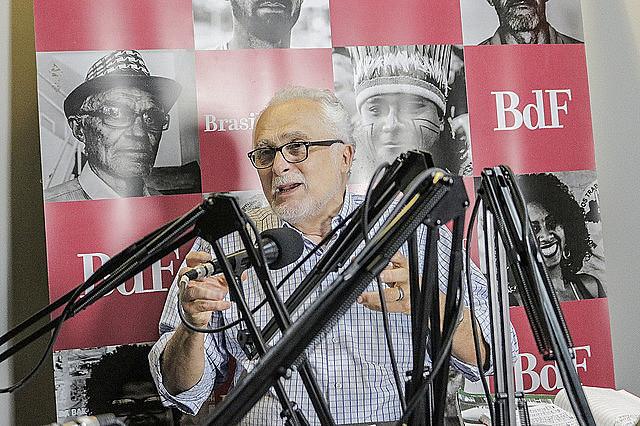 Genoino participou do programa No Jardim da Política na semana de aniversário da Constituição
