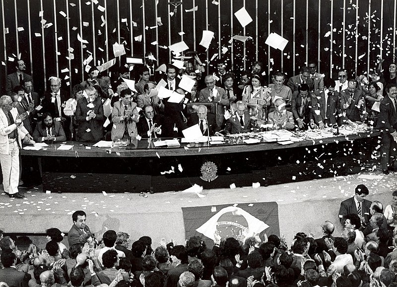 Há 31 anos era promulgada a Constituição Cidadã