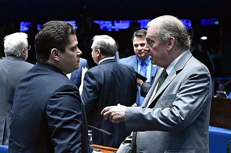 Presidente do Senado, Davi Alcolumbre, e relator da reforma, Tasso Jereissati, estão entre principais articuladores da proposta na Casa