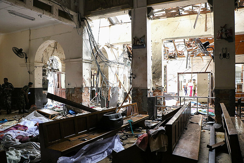 Nenhum grupo reivindicou a autoria dos ataques até o momento, mas o governo do país acusa a organização islâmica National Thowheeth Jama'ath