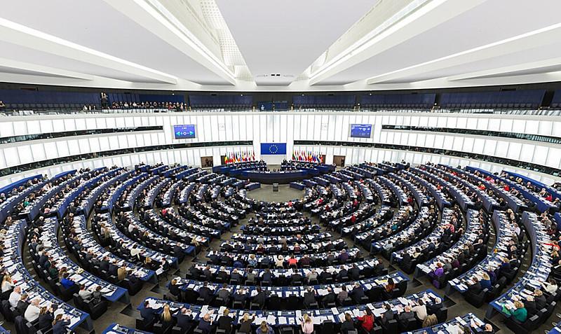 O pedido foi realizado através de uma carta enviada na última quinta-feira (15) ao presidente da Comissão Europeia, Jean-Claude Juncker
