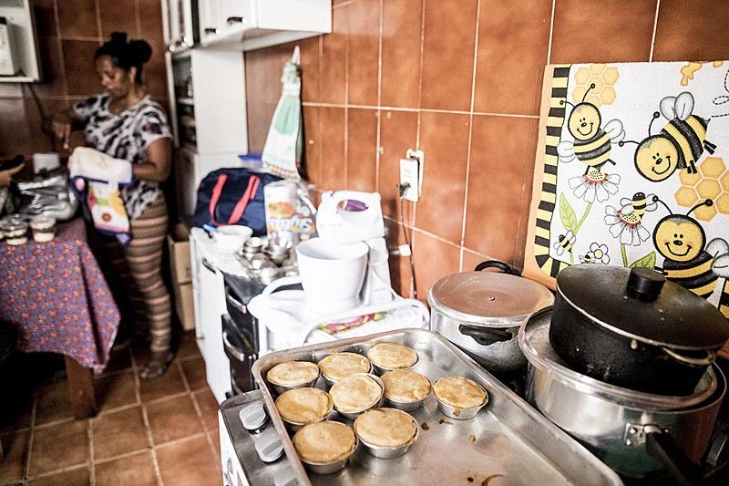 cozinheira empadinhas bico emprego salário