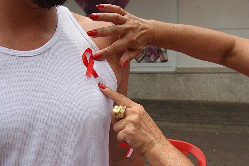 O Dia Mundial de Combate à Aids é observado no dia 1° de dezembro