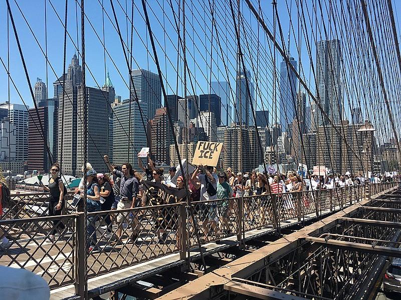Nova York foi palco de marcha contra separação de famílias imigrantes