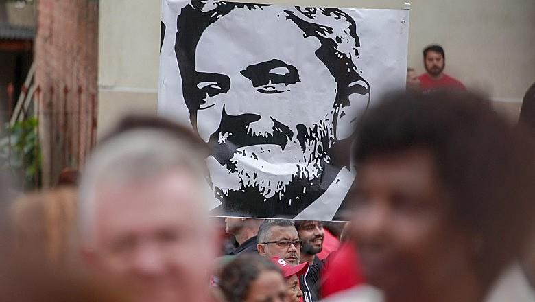 Cerca de 17 cidades brasileiras tiveram manifestações por Lula Livre no último domingo (7)