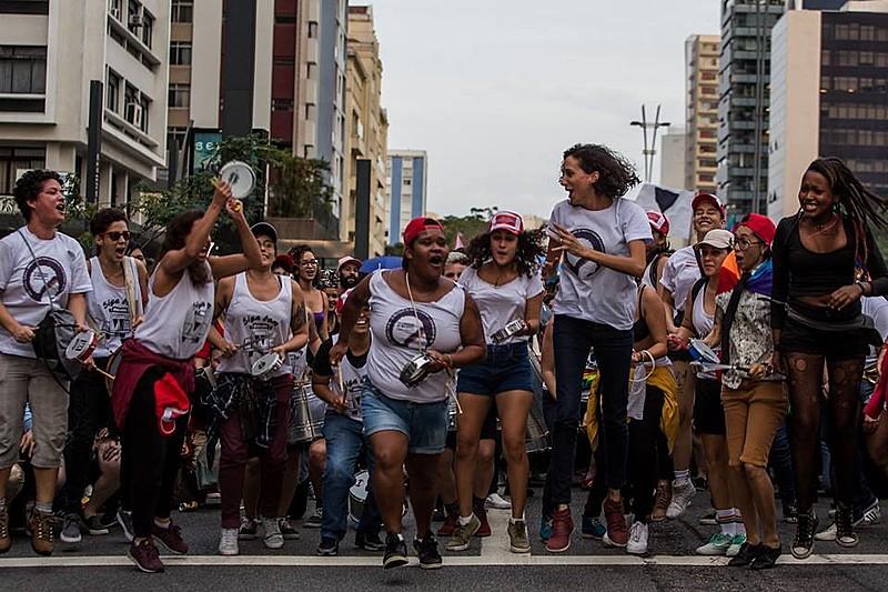 Caminhada de Lésbicas e Bissexuais aconteceu em São Paulo no último sábado (2), no âmbito da Parada LGBT