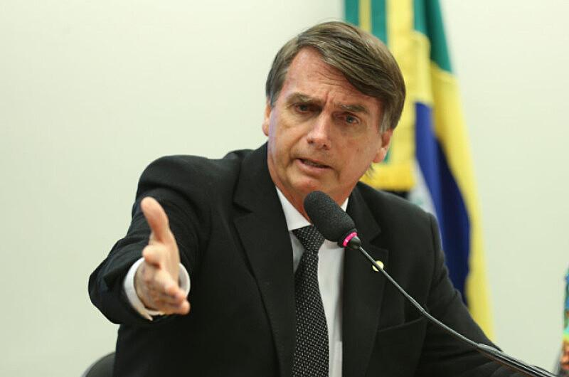 Bolsonaro não só tem forte presença digital, mas também pensa e se articula de forma não-analógica