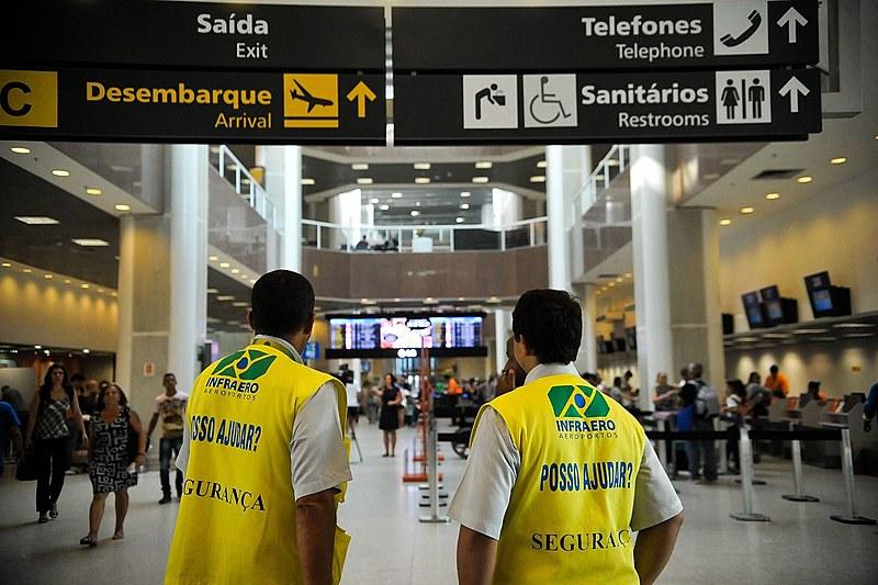 Governo estuda vender todos aeroportos e extinguir Infraero até 2018