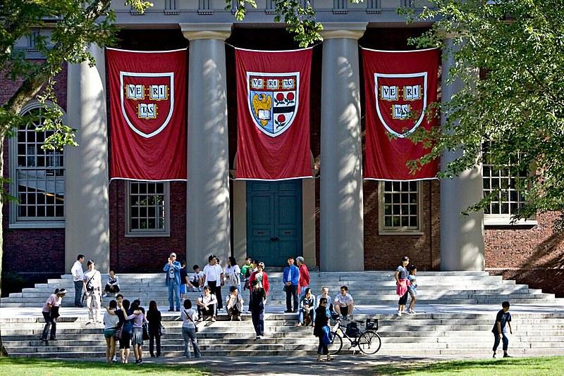 Pesquisadores da Universidade de Harvard, uma das mais prestigiadas do mundo, também assinaram o documento