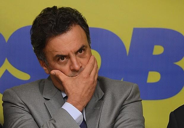 Aécio Neves (PSDB-MG) vive clima de tensão e enfrenta dificuldade para conseguir 41 votos favoráveis à derrubada da decisão do STF
