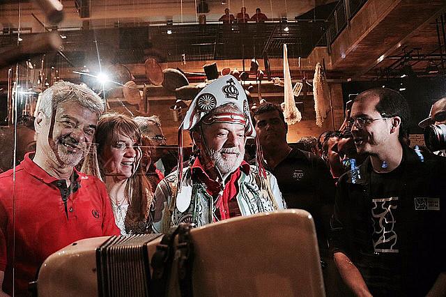 En su primer día en Pernambuco, Lula visitó el museo que homenajea otro famoso Luiz: el compositor Luiz Gonzaga