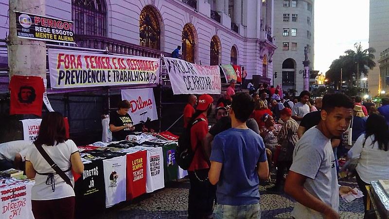 Para manifestantes, não há condições de Temer permanecer no poder