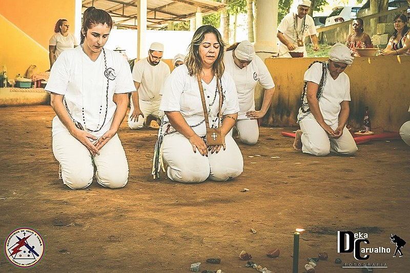 Momento de oração (a esquerda Ya Ivonete e a direita Ya Márcia)