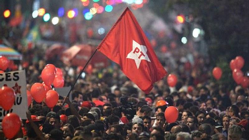 Vilma Reis ou Fabya Reis podem ser a primeira mulher negra candidata na capital baiana pelo Partido dos Trabalhadores