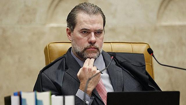 El presidente del Supremo Tribunal Federal de Brasil, Dias Toffoli, revocó la decisión inicial del juez Marcos Aurélio Mello