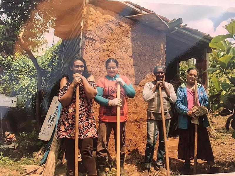 Algumas das agricultoras urbanas que compõem o coletivo