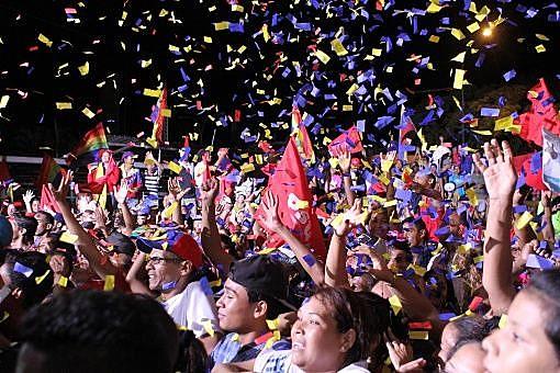 O Partido Socialista Unido de Venezuela (PSUV), ao qual pertence o presidente Nicolás Maduro, ganhou em 18 dos 23 estados