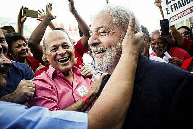 El líder del Partido de los Trabajadores reiteró luego de la decisión de Moro que la condena es un intento de sacarlo del juego político