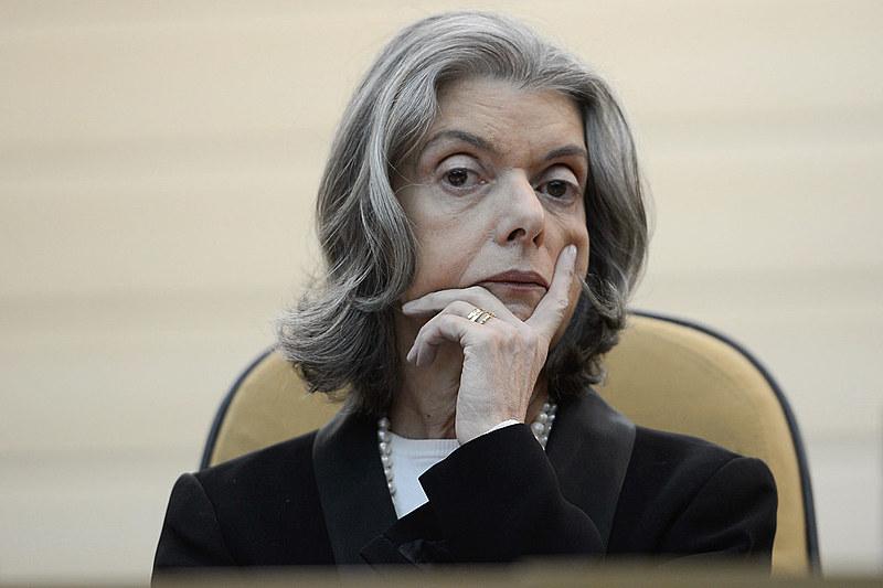 O ministro Marco Aurélio Mello afirmou que a ministra Cármen Lucia armou uma estratégia para rejeitar o pedido de Lula