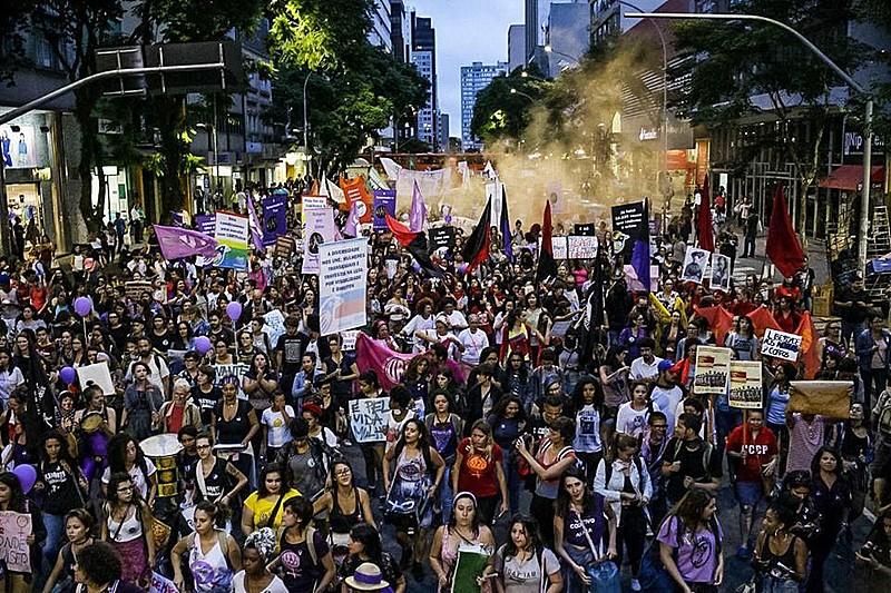 Em 2017, ato reuniu 5 mil mulheres em Curitiba. Outros 14 municípios do Paraná também tiveram manifestações