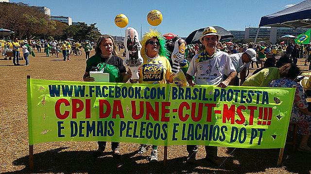 Manifestantes quieren CPI de movimientos y la vuelta de la Unión Democrática Nacional (UDN)