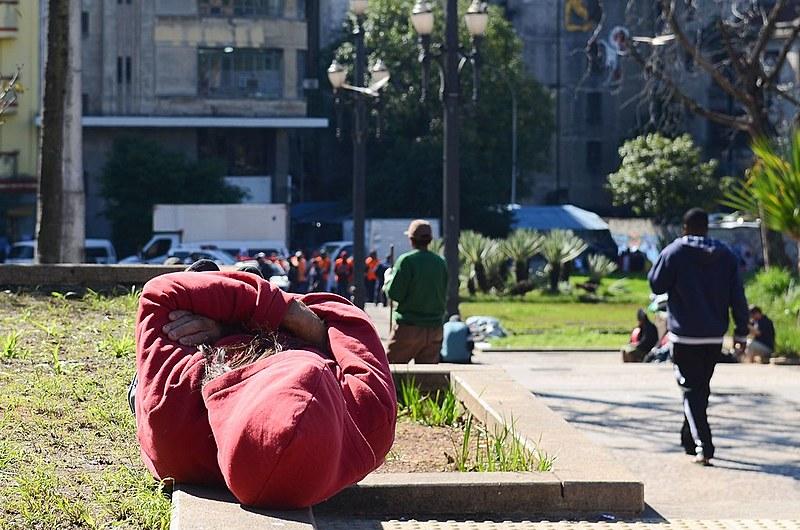 Defensoras públicas apontam que falta de políticas públicas contribuem para o aumento da população de rua