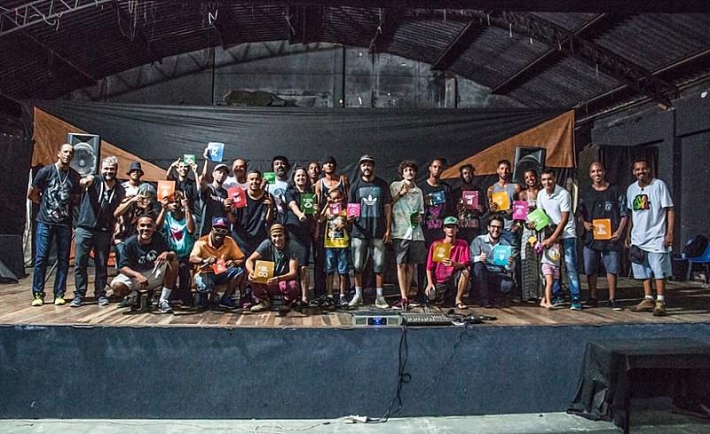 Equipe do coletivo que produziu o documentário