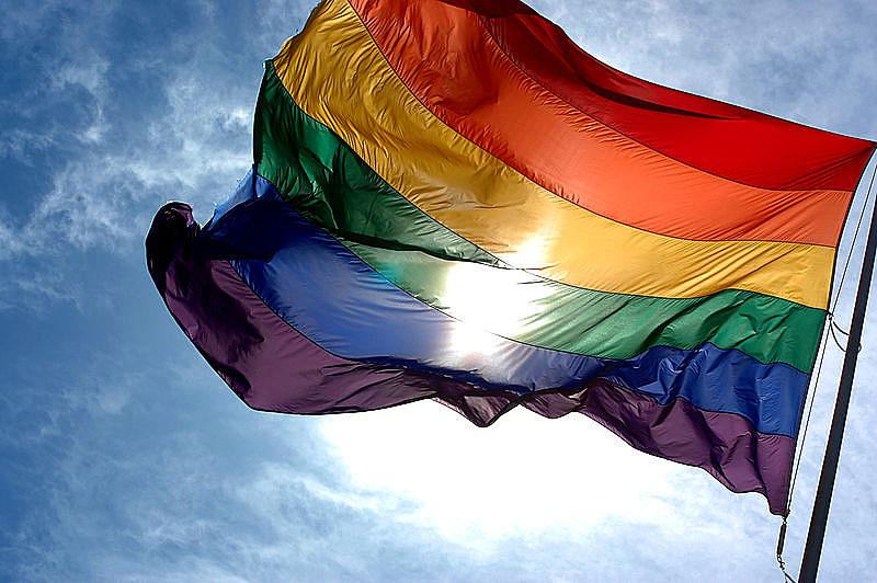 No dia 17/05/1990, a Organização Mundial da Saúde (OMS) retirava a homossexualidade da lista de doenças psiquiátricas