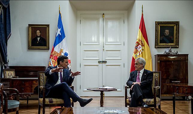 Sánchez se encontrou com Piñera no Palácio de La Moneda, em Santiago