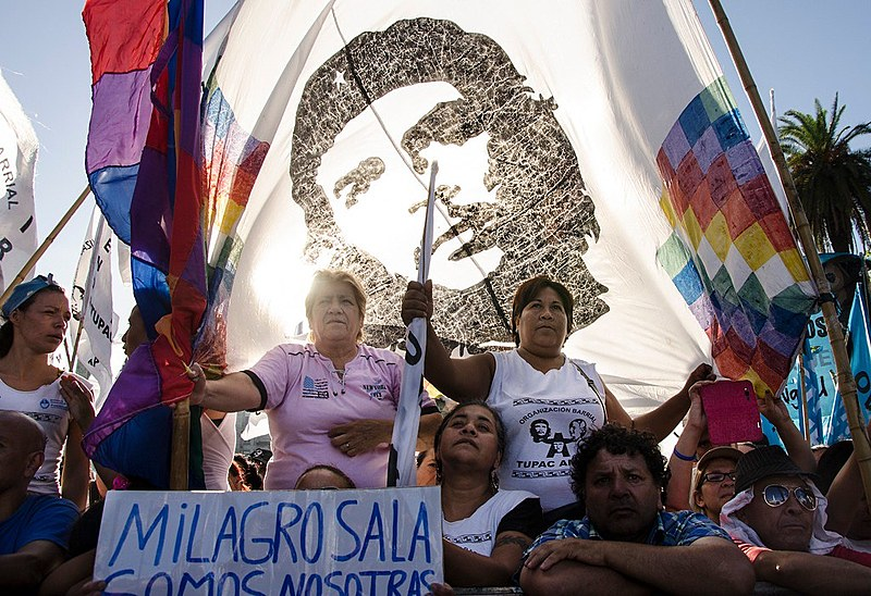 Movimentos populares, como a Organização Tupac Amaru, são alvos de investigações ilegais