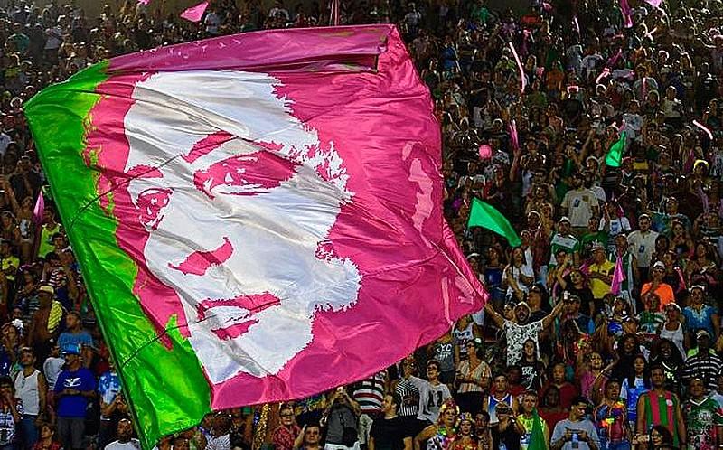 Com homenagem a Marielle, Cartola e a todo o povo brasileiro, Mangueira fez história neste carnaval