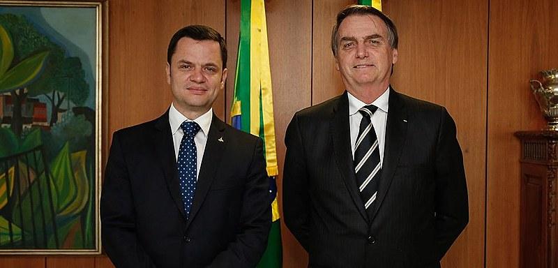 Jair Bolsonaro (PSL) durante encontro com o Secretário de Segurança Pública do DF, Anderson Gustavo Torres