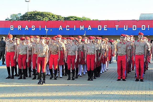 Estudiantes del Colegio de la Policía Militar de Ceilândia, en el Distrito Federal