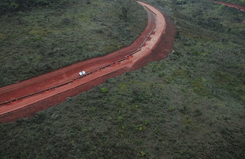 Tubulação de mineroduto da Anglo American se rompe em Minas Gerais