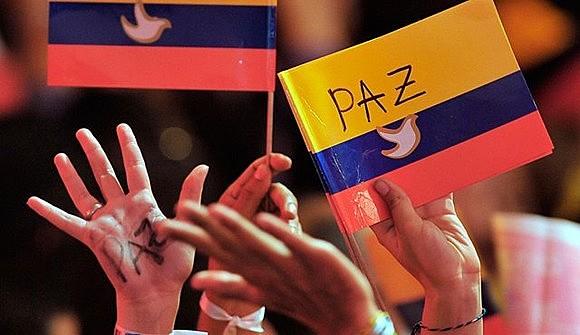 Processo de paz entre governo e FARC se encontra em período de implementação, enquanto com a ELN também está se encaminhando