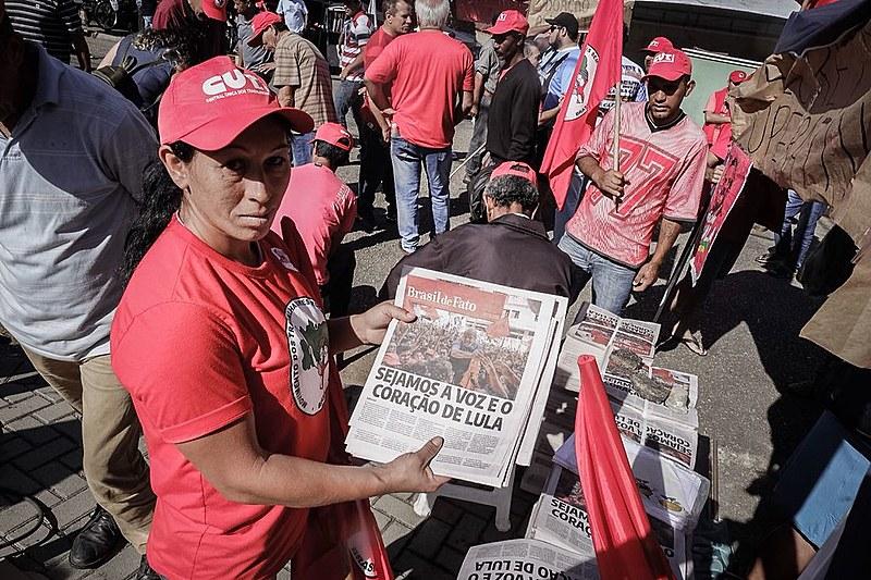 Entrevistas com especialistas da mídia, do campo jurídico e militantes dos movimentos populares são temas centrais do jornal