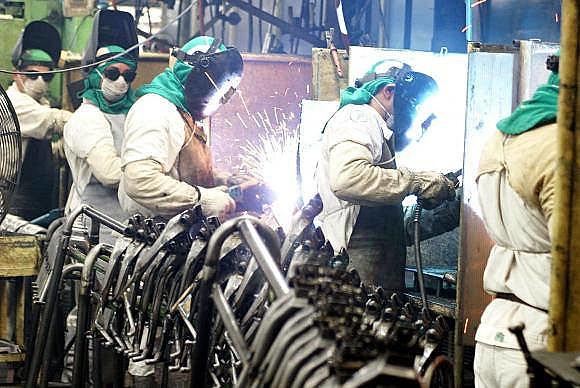 Industria brasileña disminuye 1,8% entre febrero y marzo de este año