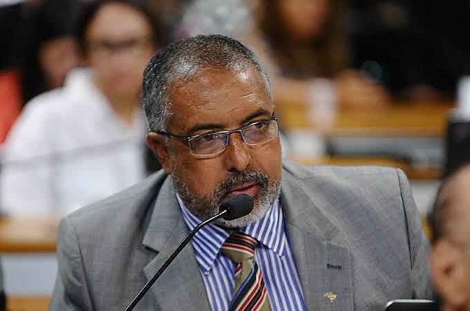 """""""Essa é a reforma mais cruel de todos os tempos, e olha que eu cheguei aqui na Constituinte"""", afirma senador Paulo Paim"""