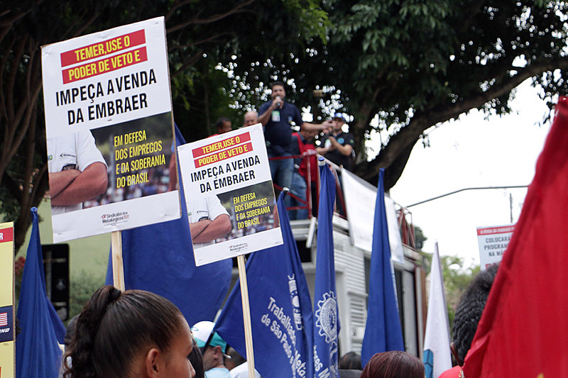 Protesto cobra da Prefeitura defesa dos empregos na Embraer