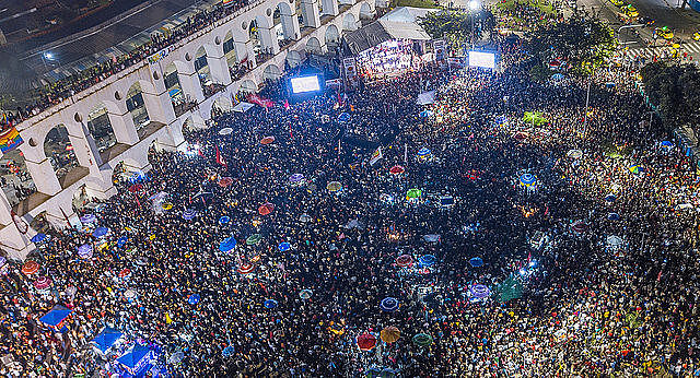 Cerca de 70 mil personas se reunieron en Rio de Janeiro el último martes (23) para defender la democracia en vísperas de las elecciones