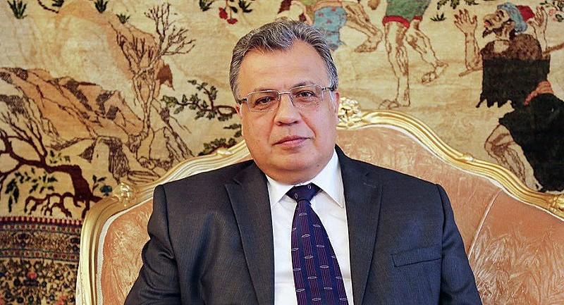 Diplomata Andrei Karlov morreu em decorrência dos disparos