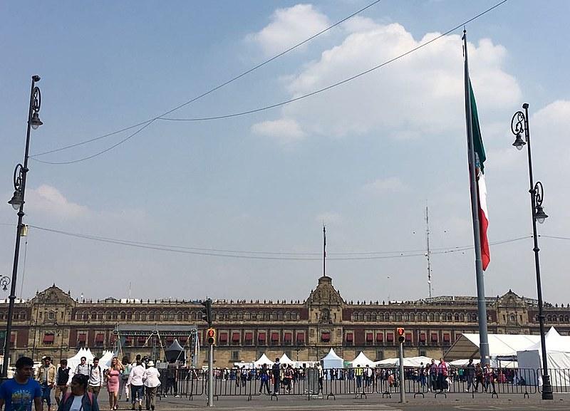 Para entrar no Palácio Presidencial como o novo presidente, o candidato deverá convencer a maioria do eleitorado mexicano, de 87 milhões