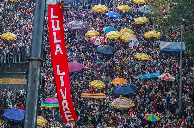 Miles de personas participaron en la tercera edición del Festival Lula Libre, en defensa de la libertad del ex mandatario brasileño