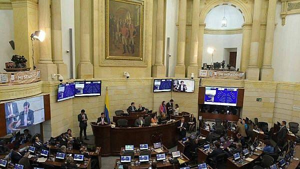 partido das FARC surgiu após a desmobilização e o desarmamento dos guerrilheiros