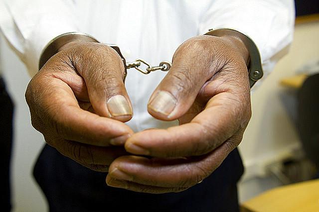 Mais vagas nas cadeias facilita recrutamento por facções