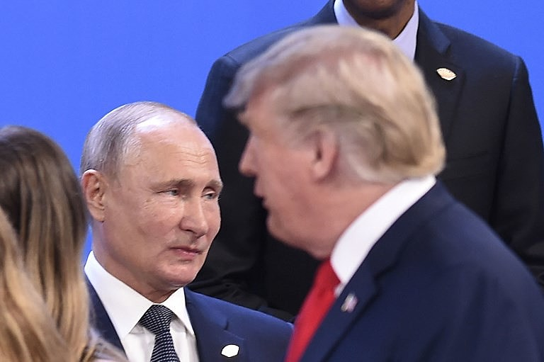 Putin (esquerda) e Trump durante Cúpula do G20 em novembro do ano passado em Buenos Aires, na Argentina