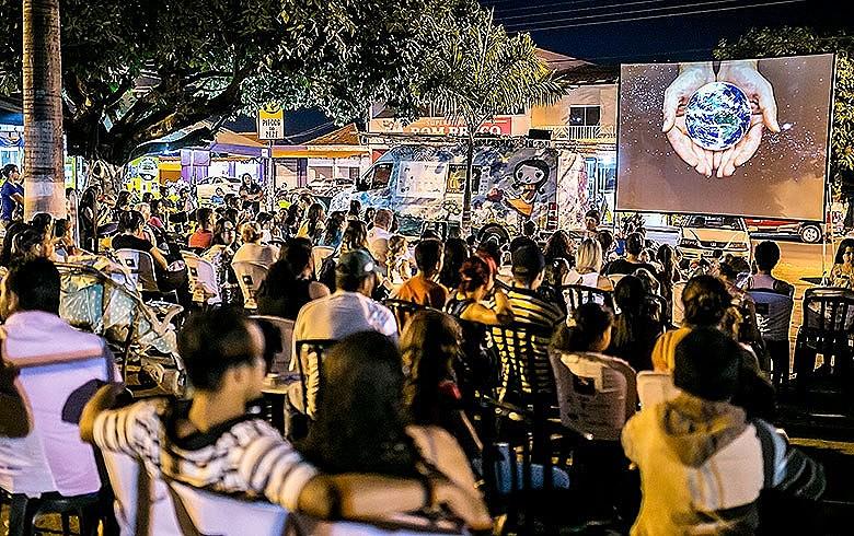 Com recursos da Lei Rouanet, Cine Solar chega à cidade goiana de Edealina, com menos de 4 mil habitantes