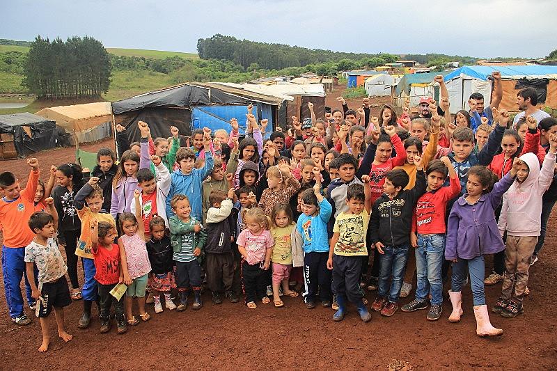 Crianças estão presentes no MST desde o primeiro acampamento, em 1985